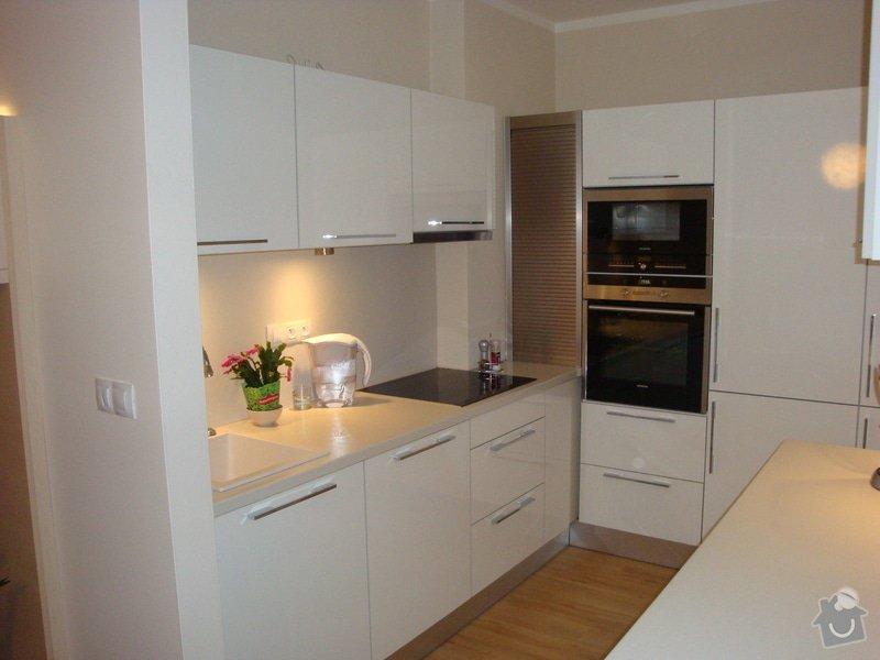 Kuchyňská linka a nové dveře a zárubně: DSC04124