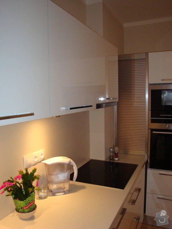 Kuchyňská linka a nové dveře a zárubně: DSC04131
