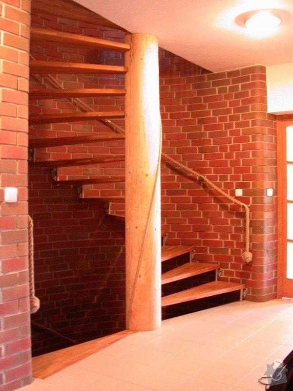 Točité schodiště: 02SchodySakustenou