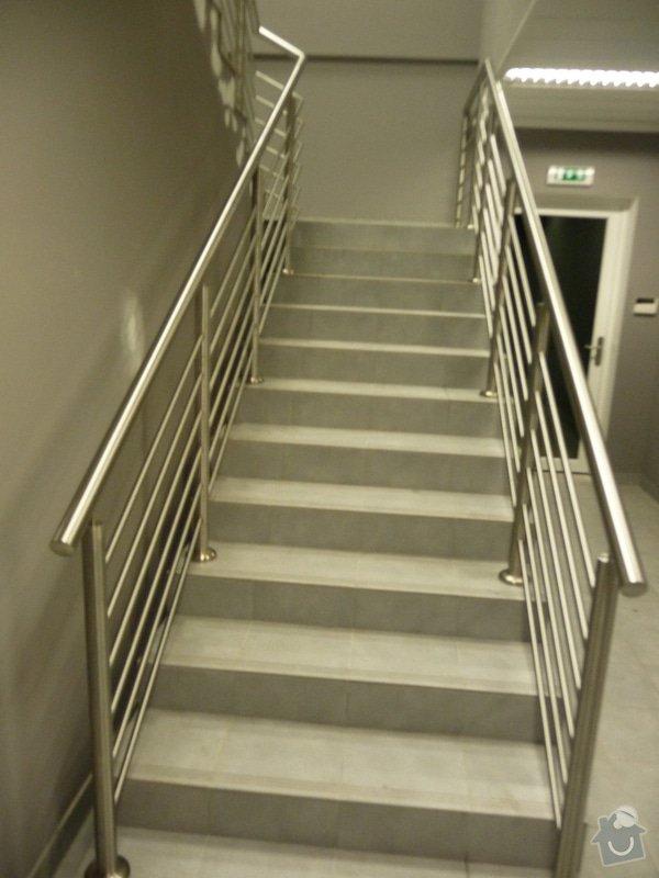 Nerezové zábradlí a madla na schodišti SERVIND Tuchoměřice: P1050922