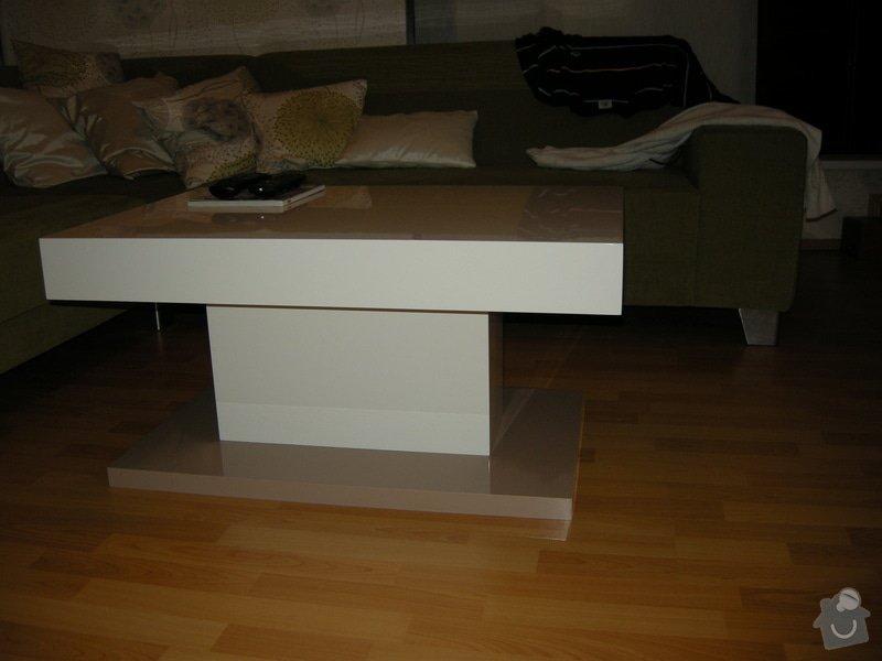 Konferenční lakovaný stolek: DSCN8713