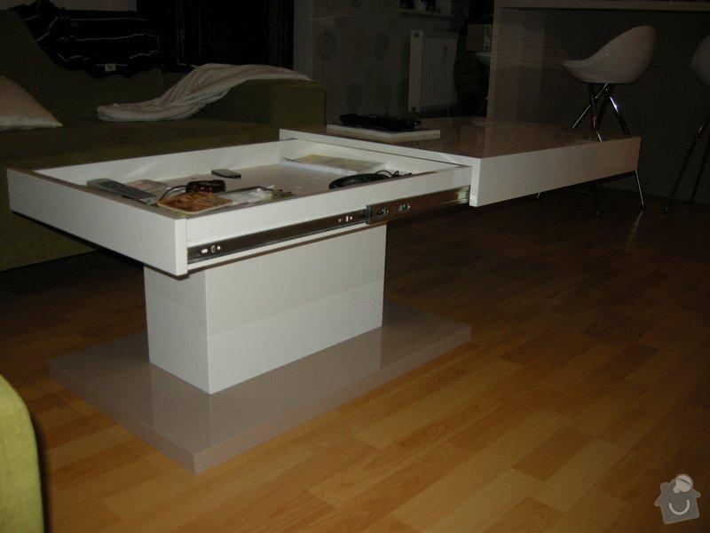 Konferenční lakovaný stolek: DSCN8715