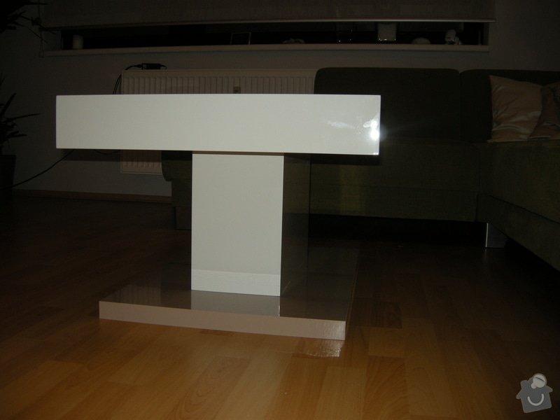 Konferenční lakovaný stolek: DSCN8716