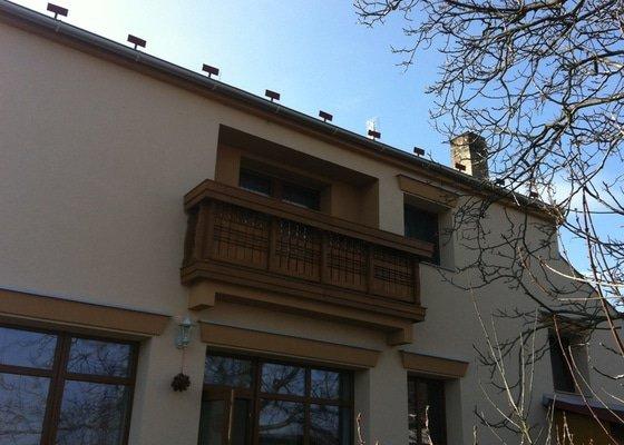 Výroba dřevěného balkónu v alpském stylu
