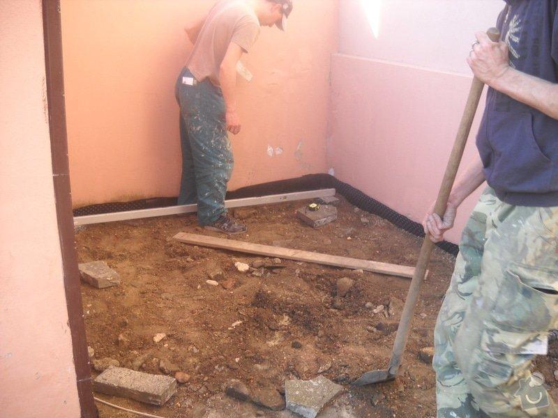 Pokládka dlažby cca 36 m2: DSCN0737