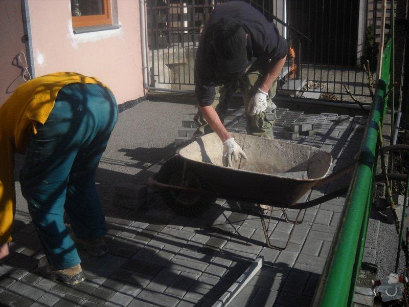 Pokládka dlažby cca 36 m2: DSCN0759