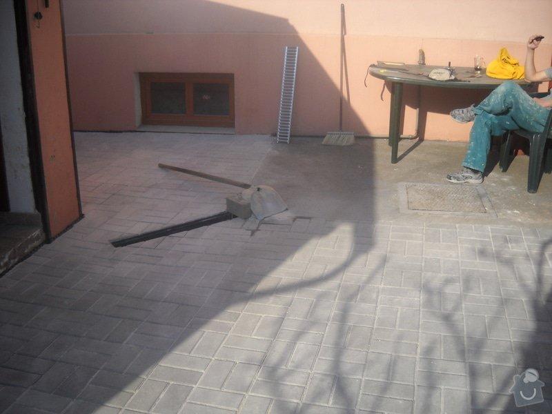 Pokládka dlažby cca 36 m2: DSCN0794