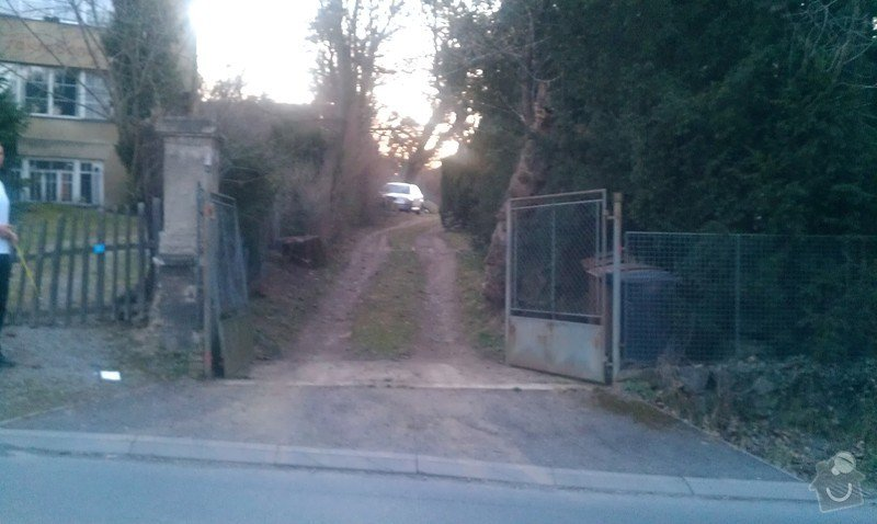 Vjezdová kovaná dvoukřídlá brána s el. pohonem: IMAG0346