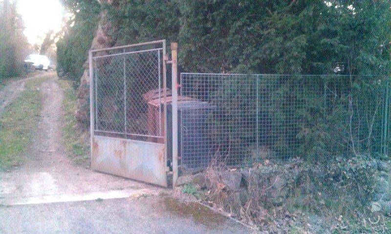 Vjezdová kovaná dvoukřídlá brána s el. pohonem: IMAG0347