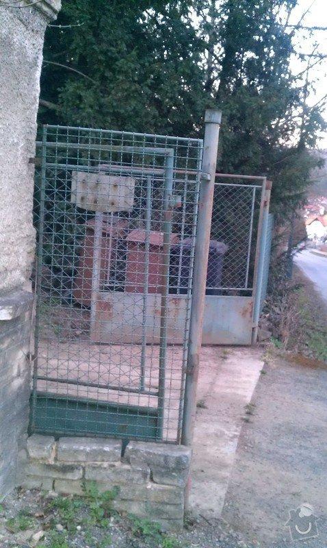 Vjezdová kovaná dvoukřídlá brána s el. pohonem: IMAG0349