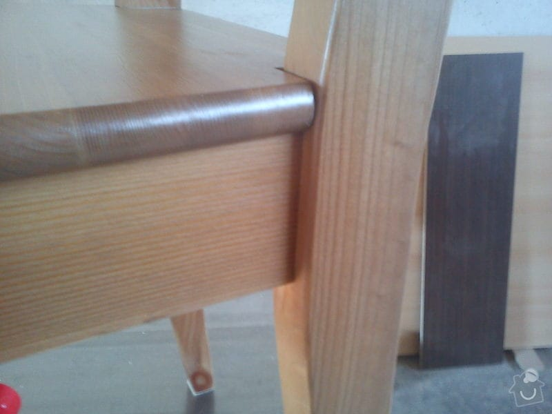 Oprava kuchyňské židle: DSC00104