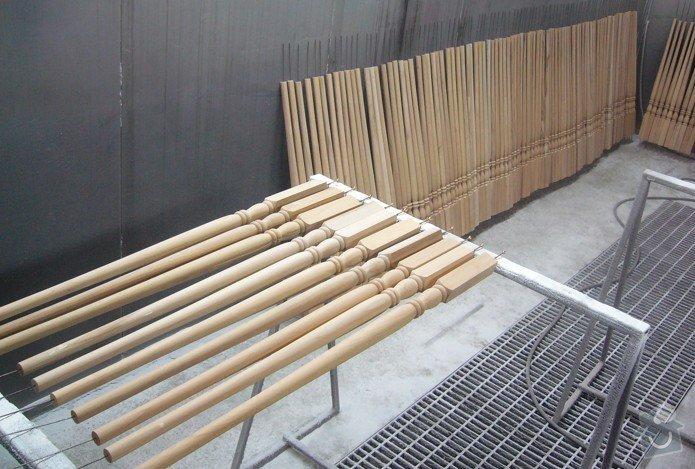 Lakování (nástřik, stříkání) dřevěných dílů: P1010177