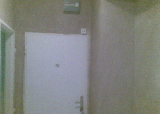 Štukování předsíně a chodby (cca 25 m2)