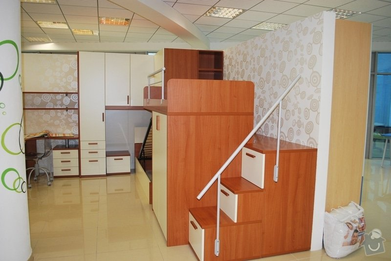 Kuchyň, obývák, dětský pokoj: POKOJ1