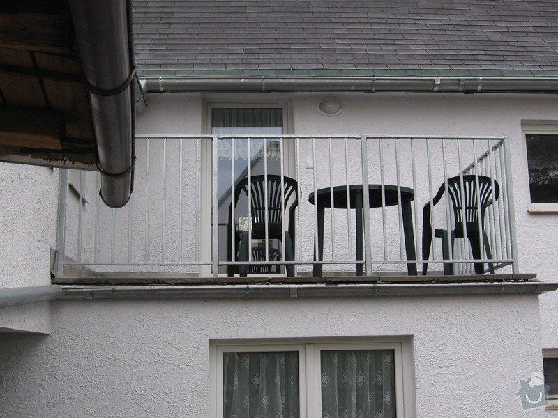 Zábradlí na terasu a francouzské okno.: IMG_2768