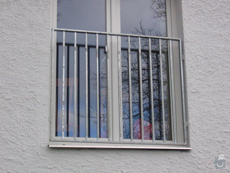 Zábradlí na terasu a francouzské okno.: IMG_2770