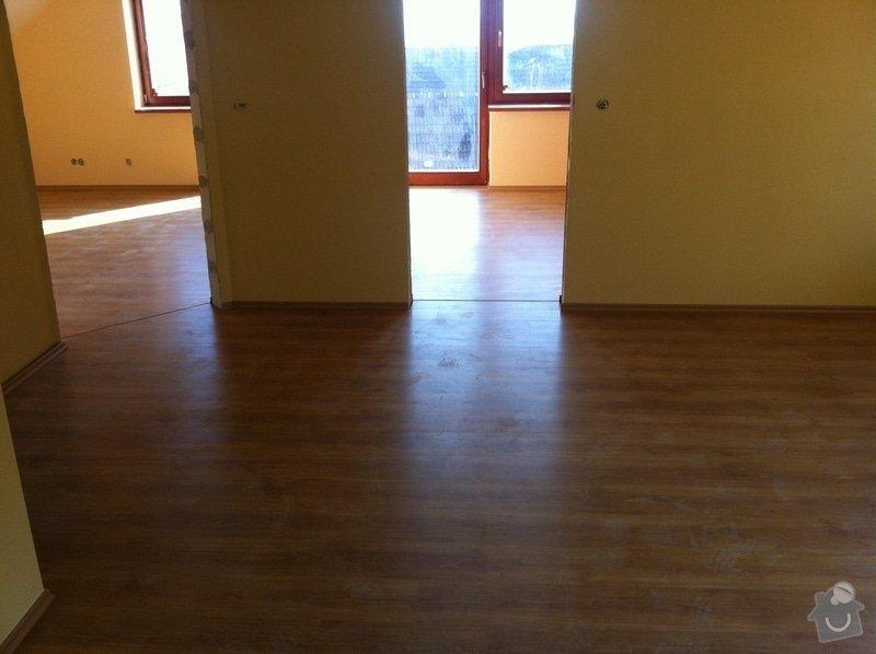 Dodávka plovoucích dřevěných a laminátových podlah do RD Račice: IMG_0061