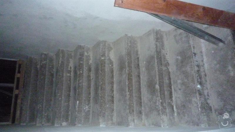 Oblozeni schodu drevem: P1050387_Large_