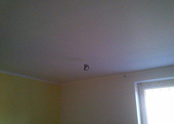 Snížení a zateplení stropu v kanceláři, včetně malování