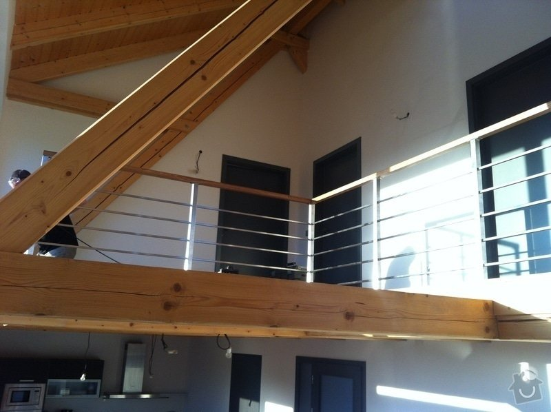 Nerezové zábradlí schodiště s podestou : IMG_3325