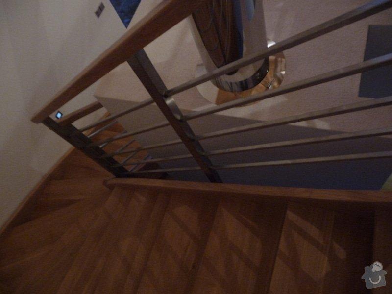 Nerezové zábradlí schodiště s podestou : P1050982