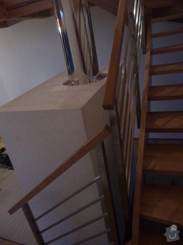 Nerezové zábradlí schodiště s podestou : P1050983