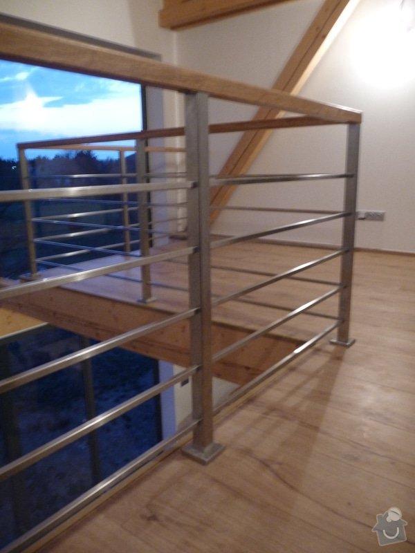 Nerezové zábradlí schodiště s podestou : P1050987