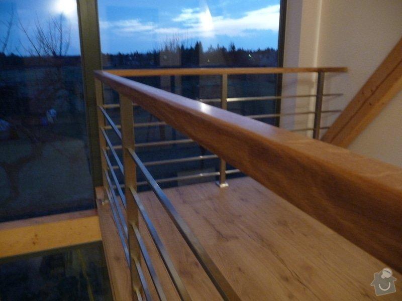 Nerezové zábradlí schodiště s podestou : P1050989