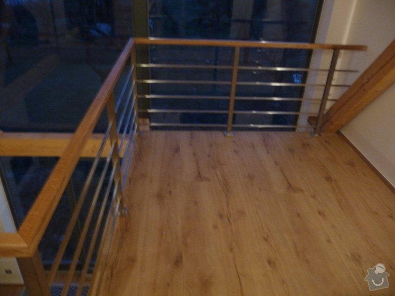 Nerezové zábradlí schodiště s podestou : P1050991