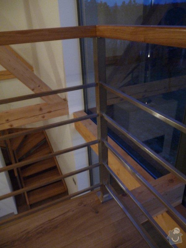 Nerezové zábradlí schodiště s podestou : P1050995