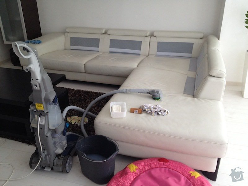 Čištění kožené sedačky, čištění koženkových židlí: IMG_0590