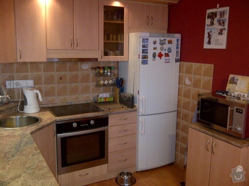 Úprava staré kuchyňské linky, pokládka PVC : IMG-20120223-02589