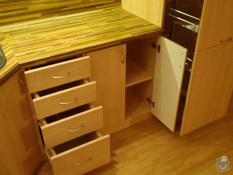 Úprava staré kuchyňské linky, pokládka PVC : P4062366