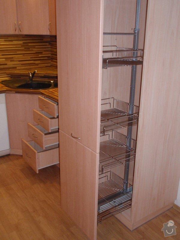 Úprava staré kuchyňské linky, pokládka PVC : P4062368