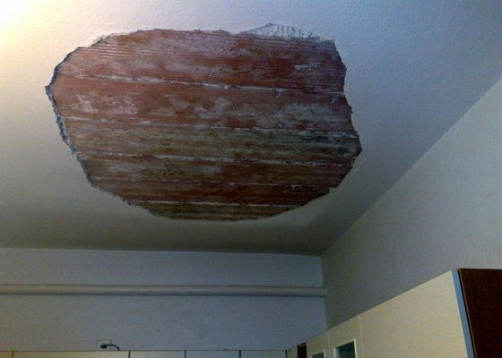 Opprava stropu v rodinném domku (2 pokoje)