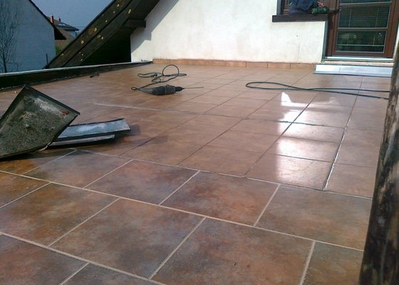 Rekonstrukci povrchu terasy 33 m2