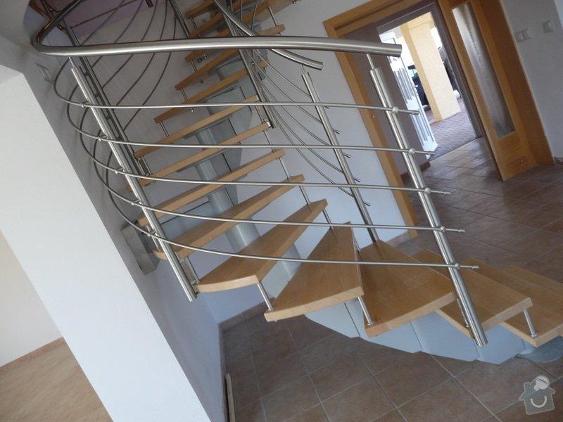 Nerezové zábradlí na točité schodiště : P1050946