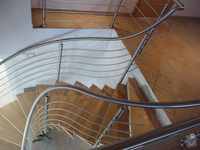 Nerezové zábradlí na točité schodiště : P1050949