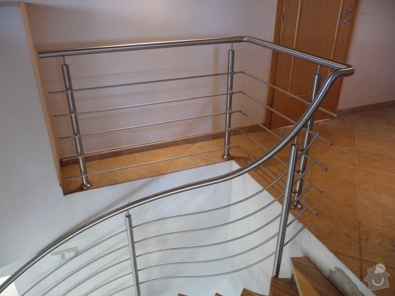 Nerezové zábradlí na točité schodiště : P1050951