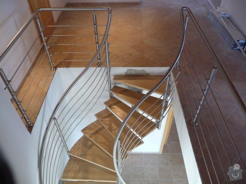 Nerezové zábradlí na točité schodiště : P1050956