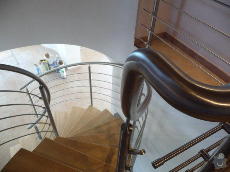 Nerezové zábradlí na točité schodiště : P1050954