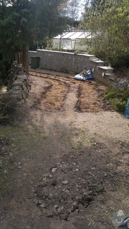 Rekonstrukce příjezdové cesty: 2012-04-17-006
