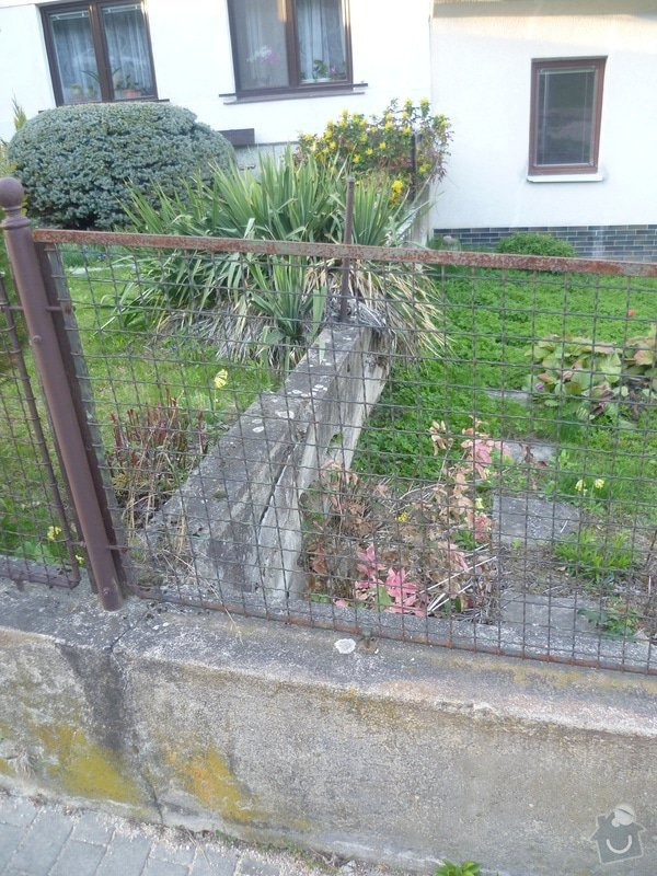 Venkovní betonová zeď: P1010697