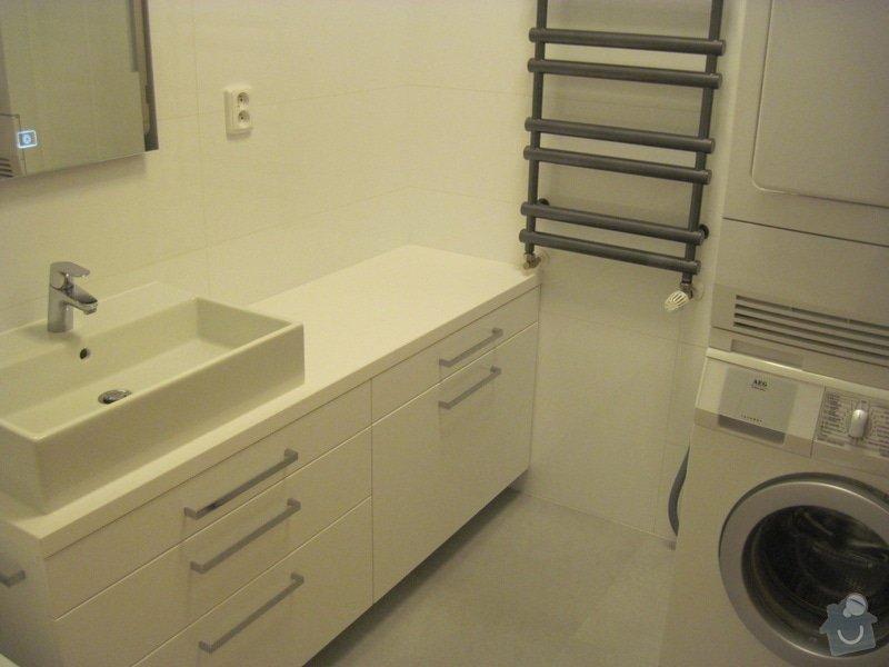 Rekonstrukce koupelny, velkoformátové obklady a dlažba: Koupelna01