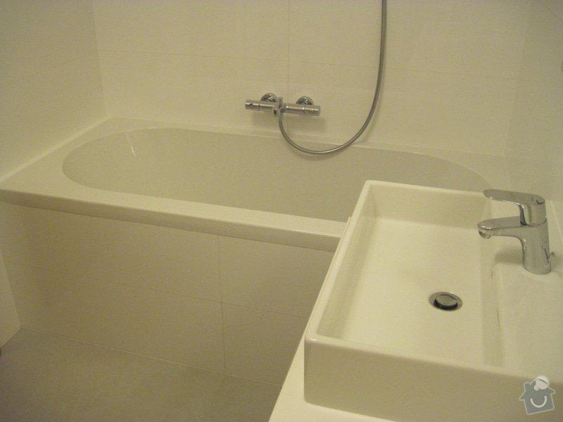 Rekonstrukce koupelny, velkoformátové obklady a dlažba: Koupelna02