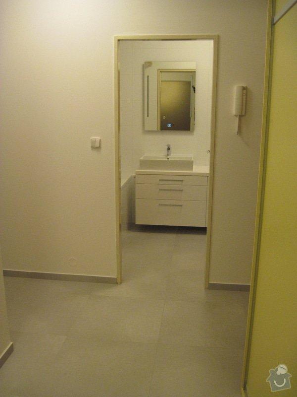 Rekonstrukce koupelny, velkoformátové obklady a dlažba: Predsin