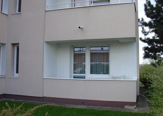 Zasklení balkonu a vyrobení dveří na balkonu