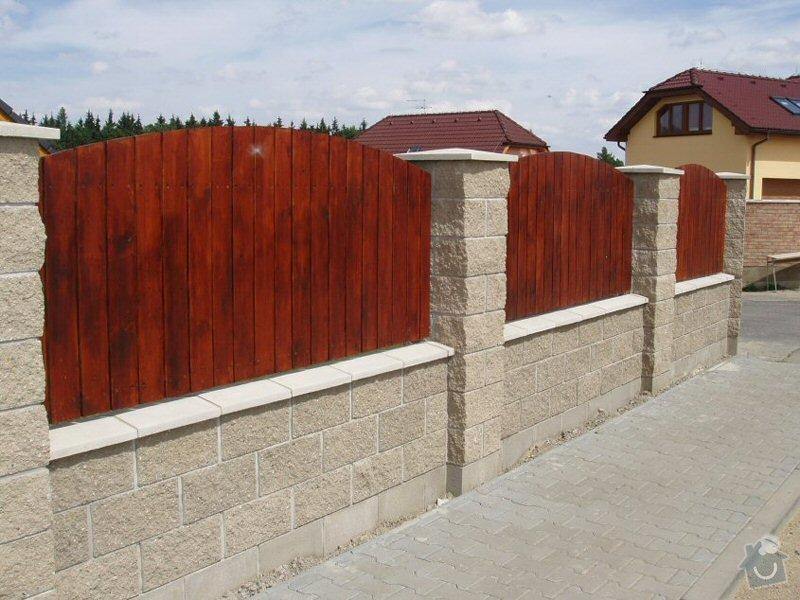 Dřevěné plotové díly a branka: plot_ukazka