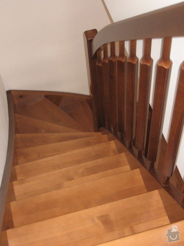 Dřevěné samonosné schodiště: drevene-samonosne-schodiste_Fialovi_004