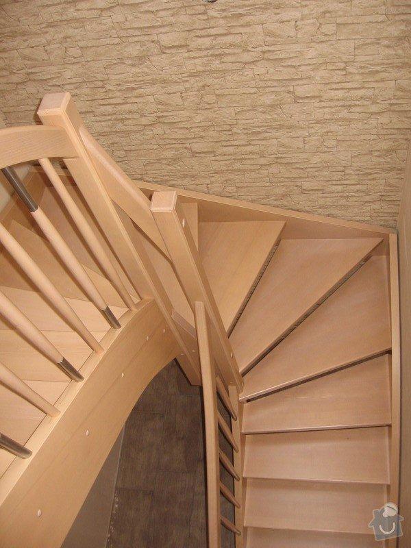 Dřevěné samonosné schodiště: drevene-samonosne-schodiste_Adamovic_1_